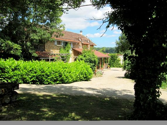 La bergerie au bouyssou, our fully inspected and accredited holiday haven - surrounded by fields and woodlands and lots of space. Take a stroll, run or borrow a bike and explore, or just languish in the deep, comfy rattan chairs on the shady artisan cafte