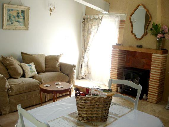Coco suite living area