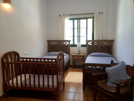 Twin room with space for a cot or another twin bed