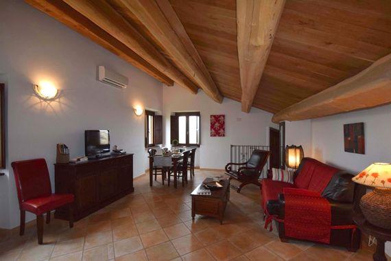 Casa Mogliano  - Apartment Two Image 9