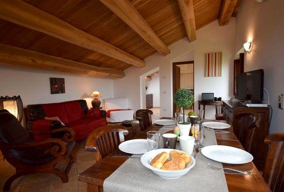 Casa Mogliano  - Apartment Two Image 12