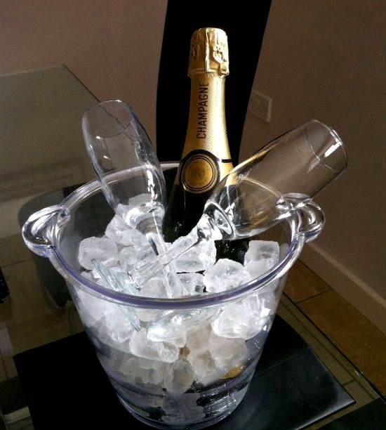 Your complimentary bottle of Prosecco!