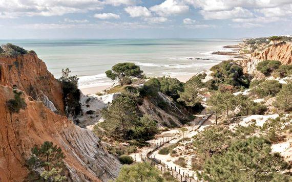 Pine Cliffs Resort - Premium Ocean Suite 3 Bedroom Image 5