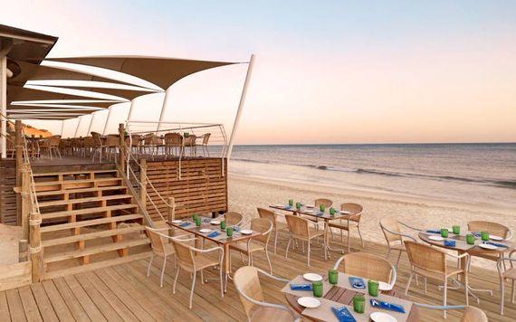Pine Cliffs Resort - Premium Ocean Suite 3 Bedroom Image 22