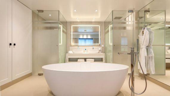Pine Cliffs Resort - Premium Ocean Suite 3 Bedroom Image 9
