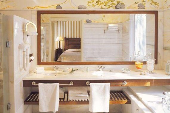 Elounda Gulf Villas & Suites - Deluxe Senior Suite Image 6