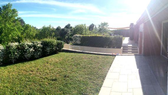 Upper terrace - pic 1