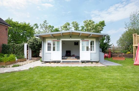 Large heated summer house and playroom