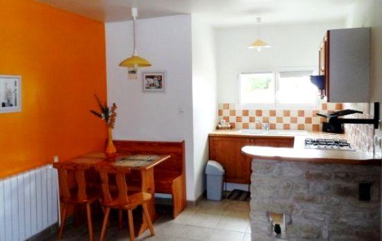 Kitchenette (studio bedroom)