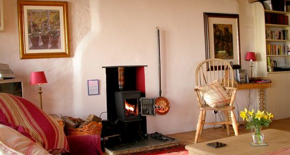 Lois' Cottage Image 9