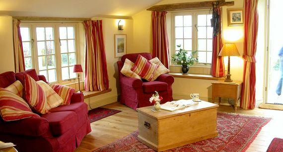 Lois' Cottage Image 10