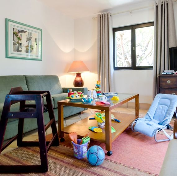 Pine Cliffs apartment - toys and equipment for children