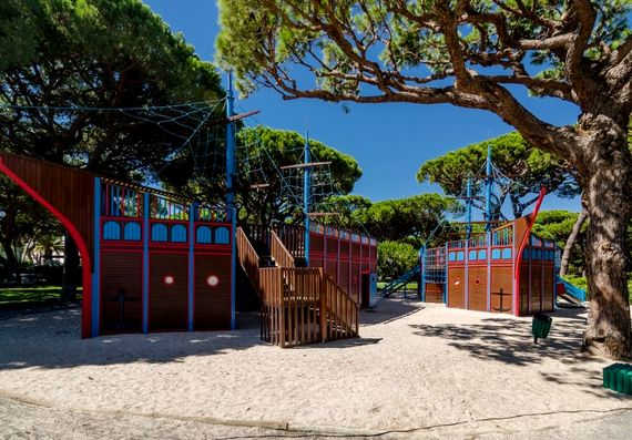 Pine Cliffs resort - kids club