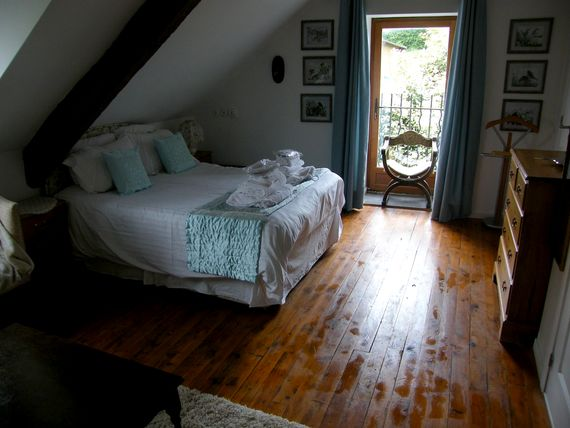 Le Pressoir - 3 bedroom gite sleeping 6 plus infants Image 7