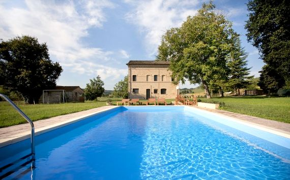 Le Marche Farmhouse Image 2