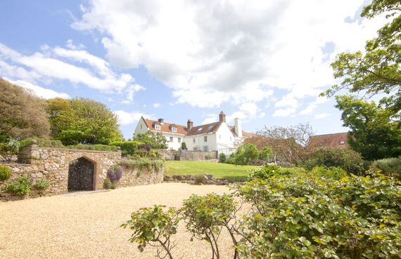 Tapnell Manor - The Perfect Family Escape Image 1