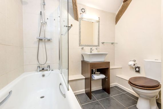 Honeysuckle bathroom with underfloor heating