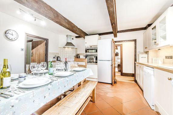 Farmhouse spacious kitchen