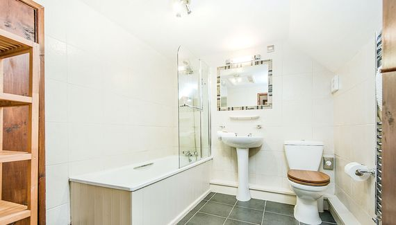 Snowdrop bathroom with underfloor heating