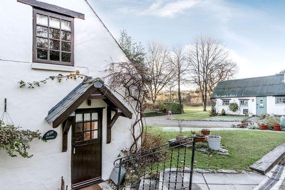 Jasmine Cottage in the winter
