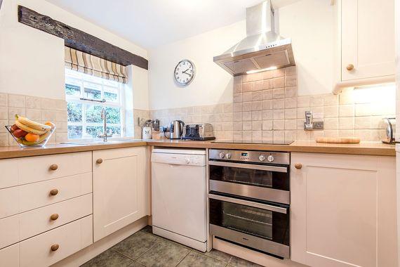 Jasmine cottage kitchen
