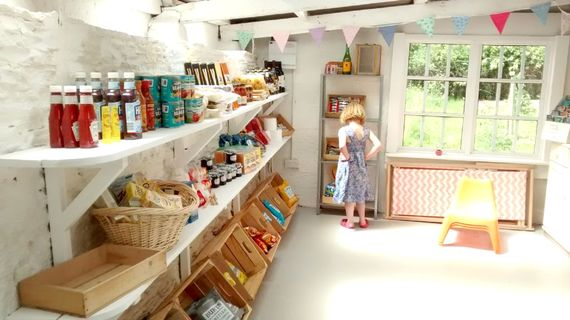 We have a shop on the farm which is open from April to October
