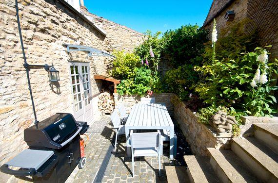Yew Tree Cottage Image 4
