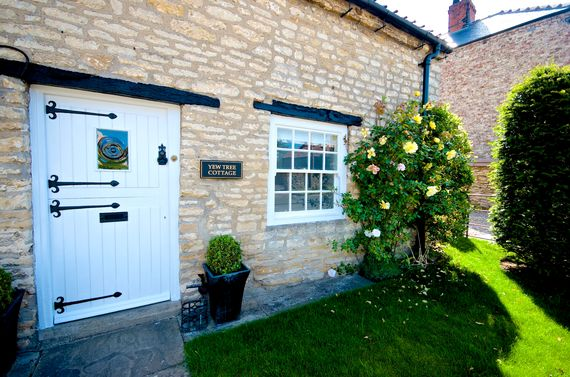 Yew Tree Cottage Image 21