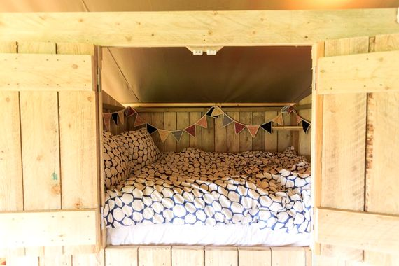 Double cabin/cupboard bed