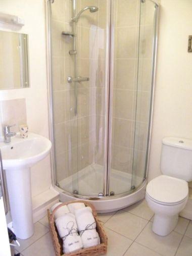 Modern, Fresh Bathrooms