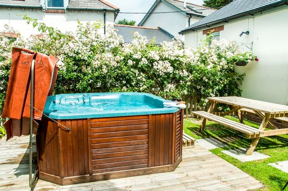 Nightingale Hot tub